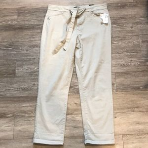 NWT Reitmans cropped chinos in cream & front tie
